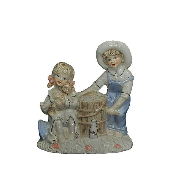 Porcelana Crianças e Gato Pintada a Mão Filetado a Ouro