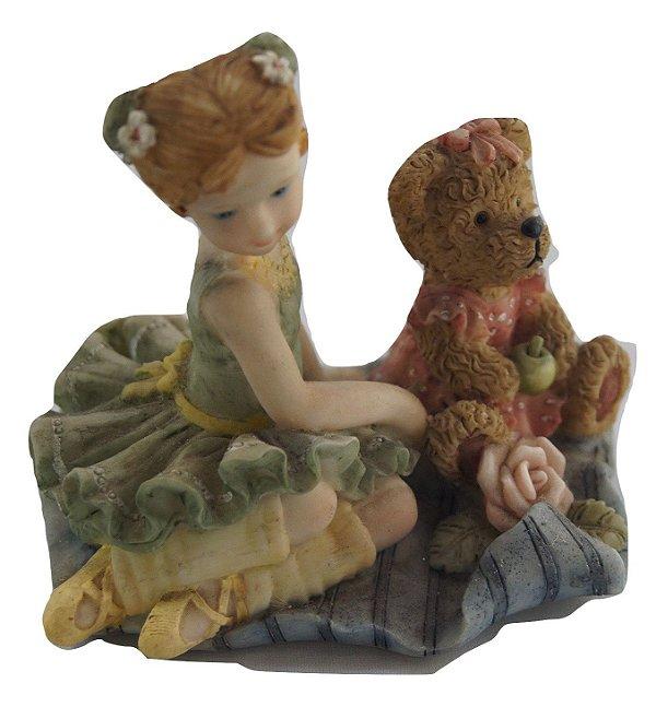 Escultura Estátua De Resina Menina E Urso