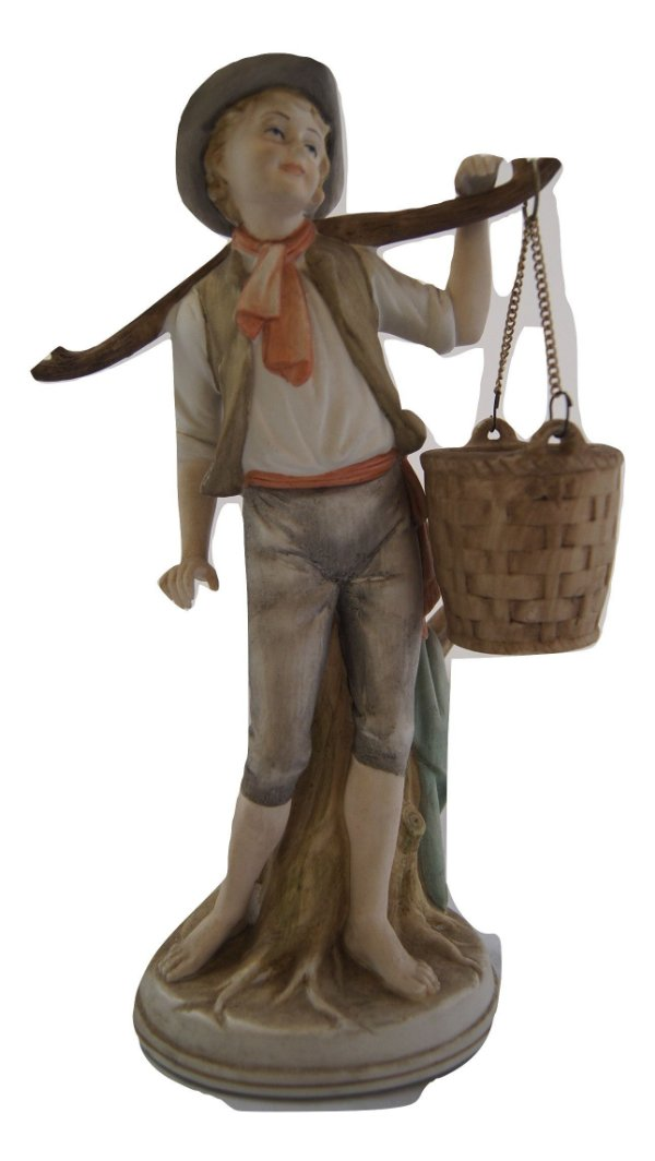 Escultura Estátua De Porcelana Menino Com Balde