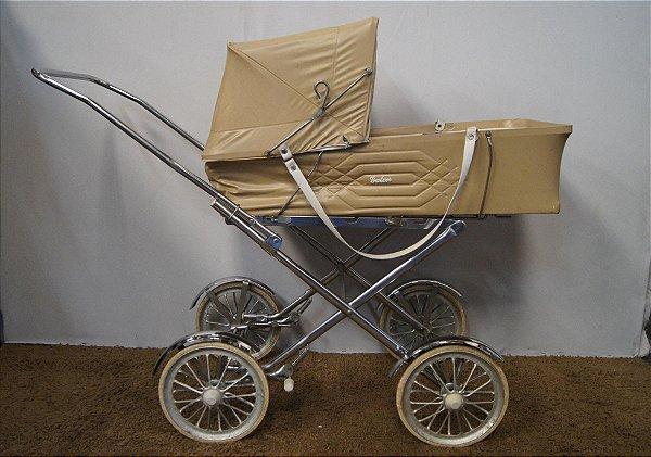Carrinho De Bebê Galzerano Em Metal Cromado E Couro - Antigo