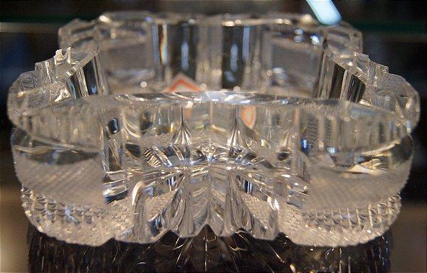 Cinzeiro De Cristal Tcheco Lapidado