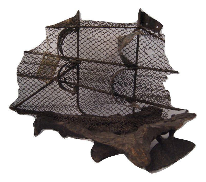 Escultura de Navio de Ferro e Madeira Antigo