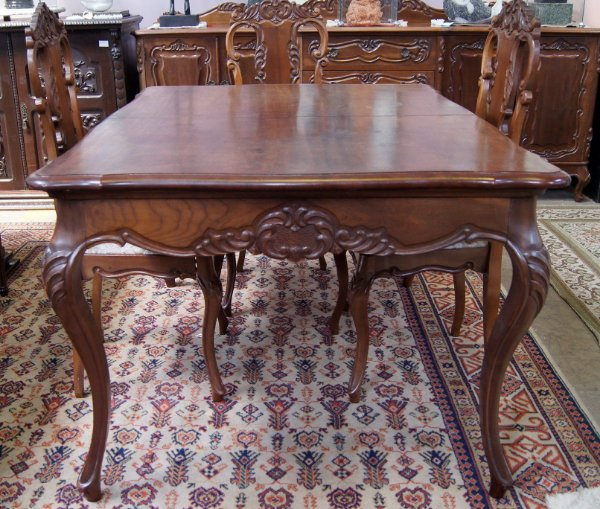 Conjunto de Jantar Luis XV - Mesa de Imbuia com 4 Cadeiras