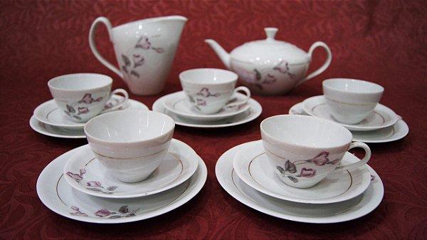 Jogo de Chá 17 Peças Em Porcelana Renner