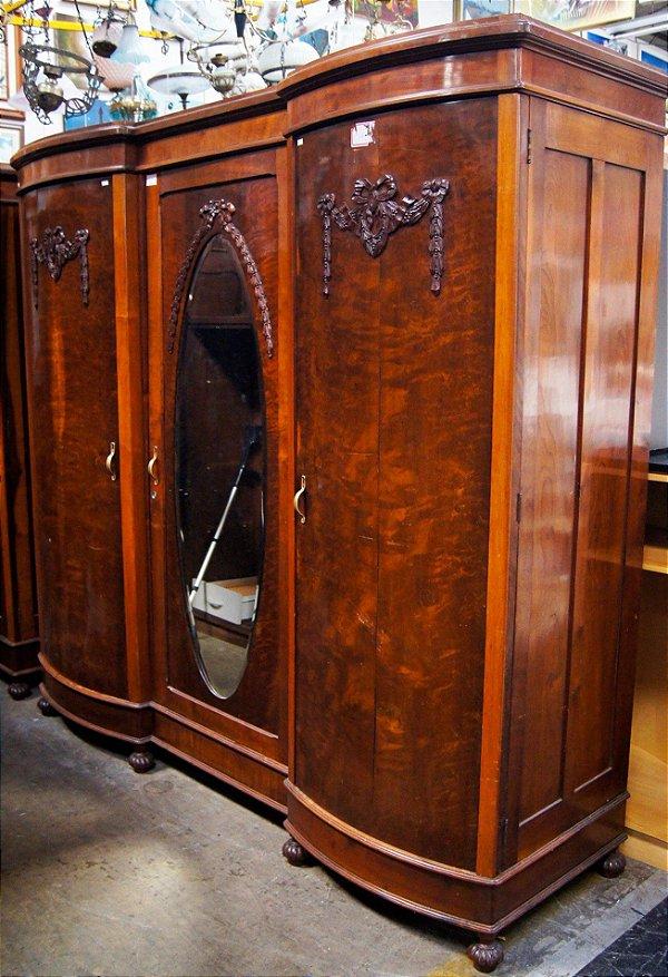 Armário 03 Portas Estilo Art Nouveau