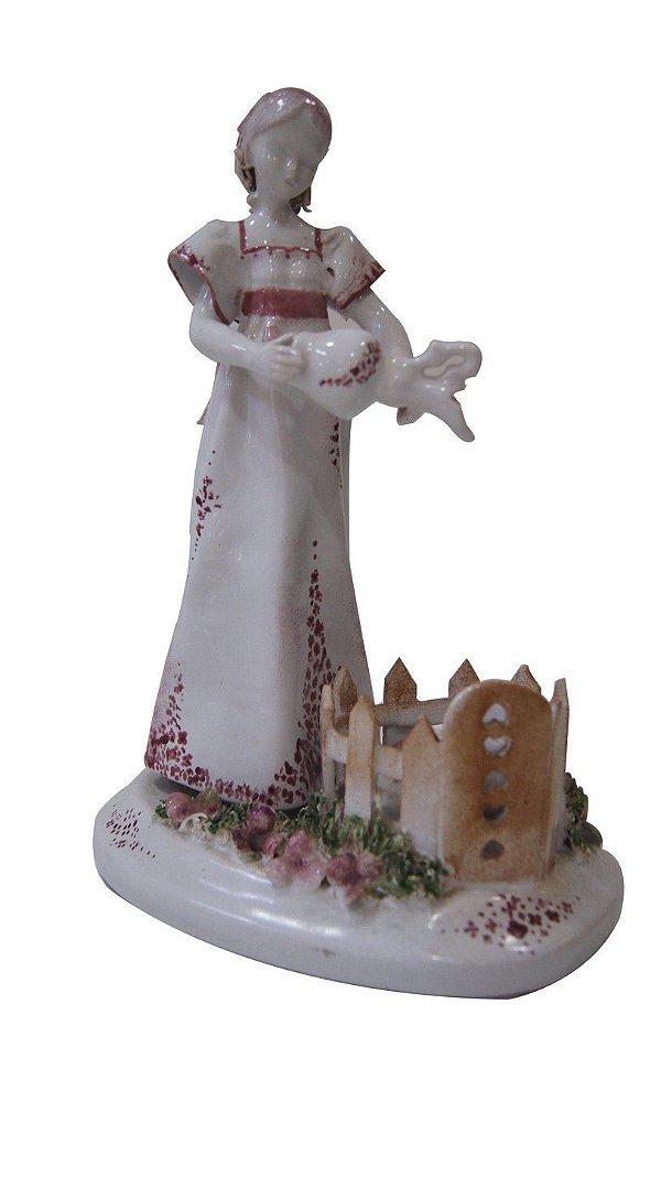 Bibelô Em Porcelana Alemã Mulher De Vestido