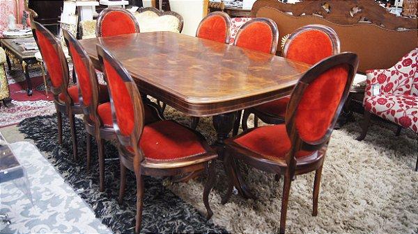 Conjunto para Sala de Jantar em jacarandá Mesa e 8 Cadeiras Dom João VI