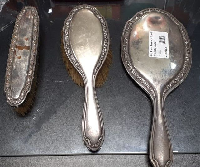 Kit Pente Escova E Espelho Em Banho de Prata