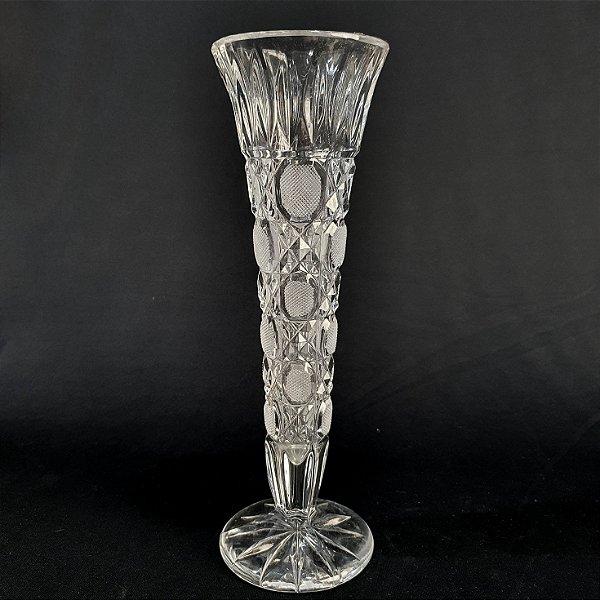 Vaso Solitário Em Cristal Lapidado a Mão 25cm