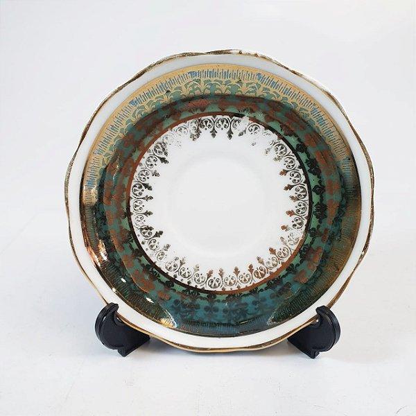 Pires em Porcelana Steatita Filetado em Ouro