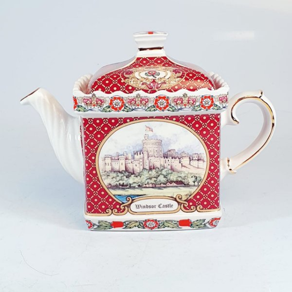 Bule em Porcelana James Sandler Windsor Castle