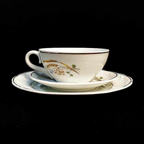Xícara com Pires e Prato em Porcelana Schmidt Trigo