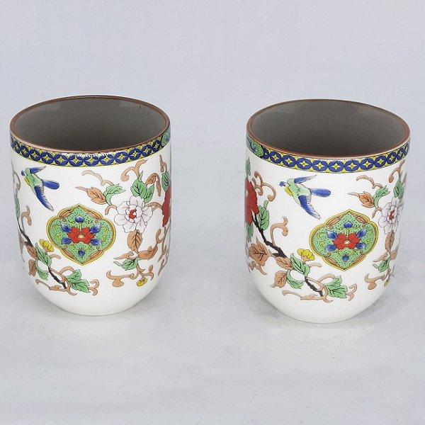 Par de Copos em Porcelana Japonesa