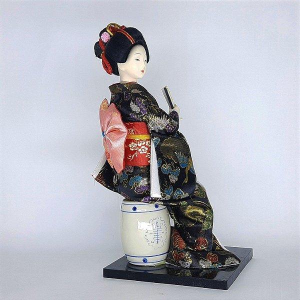 Gueixa Tradicional Chinesa Kimono Resina e Porcelana