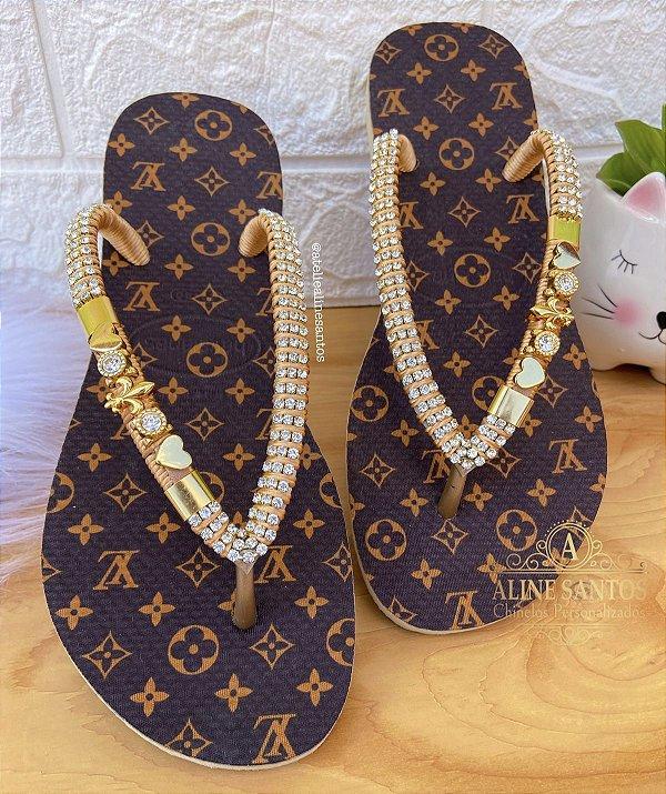 Sandália de Luxo com Pingentes