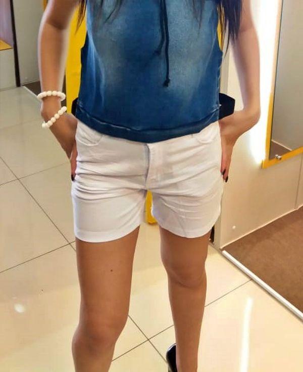 Shorts Boyfriend  Cintura Média  Lycra Sarja Branco vista com ziper