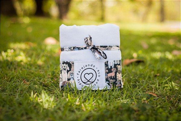 Tapete Higiênico Lavável - Cachorrada - Tecido Branco