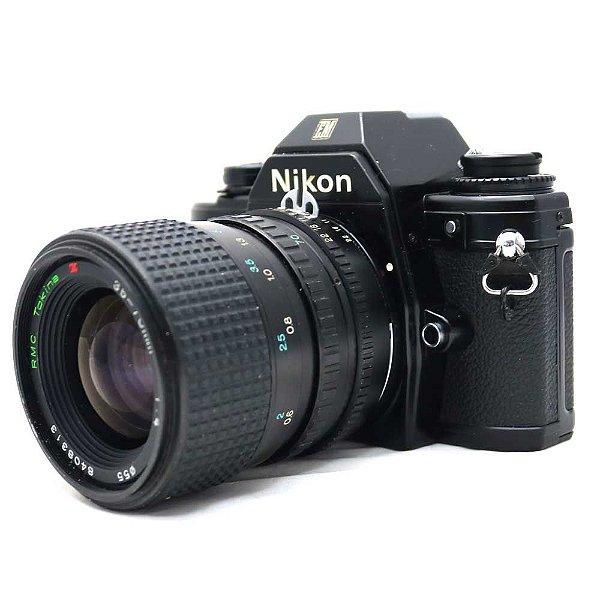 Câmera Analógica Nikon EM com Lente Tokina 35-70mm Usada