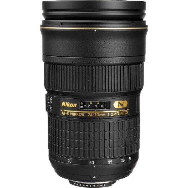Lente Nikon AF-S Nikkor 24-70mm f/2.8G ED com Parasol Seminova