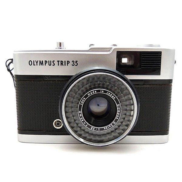 Câmera Analógica Olympus Trip 35 com Lente 40mm f/2.8 Usada