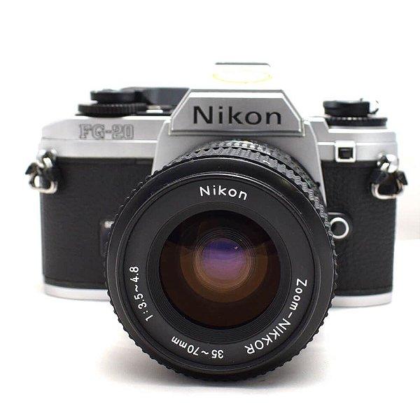 Câmera Analógica Nikon FG-20 com Lente 35-70mm Usada