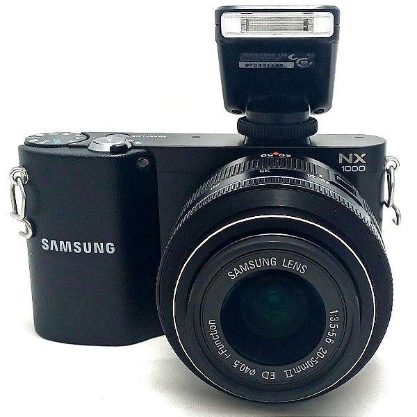Câmera Samsung NX1000 com Lente 20-50mm II ED e Flash Seminova