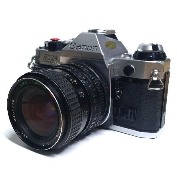 Câmera Analógica Canon AE-1 com Lente Tokina 25-50mm Usada