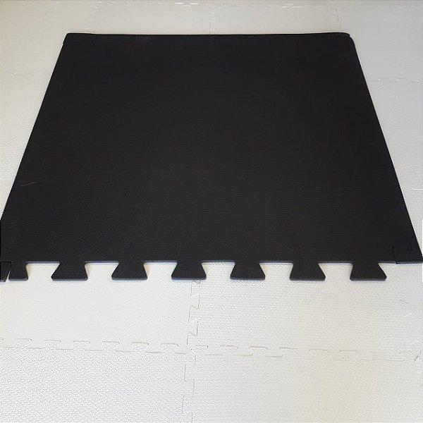 Tatame Preto 1,04m X 1,06m X 15mm + 3 Bordas de Brinde