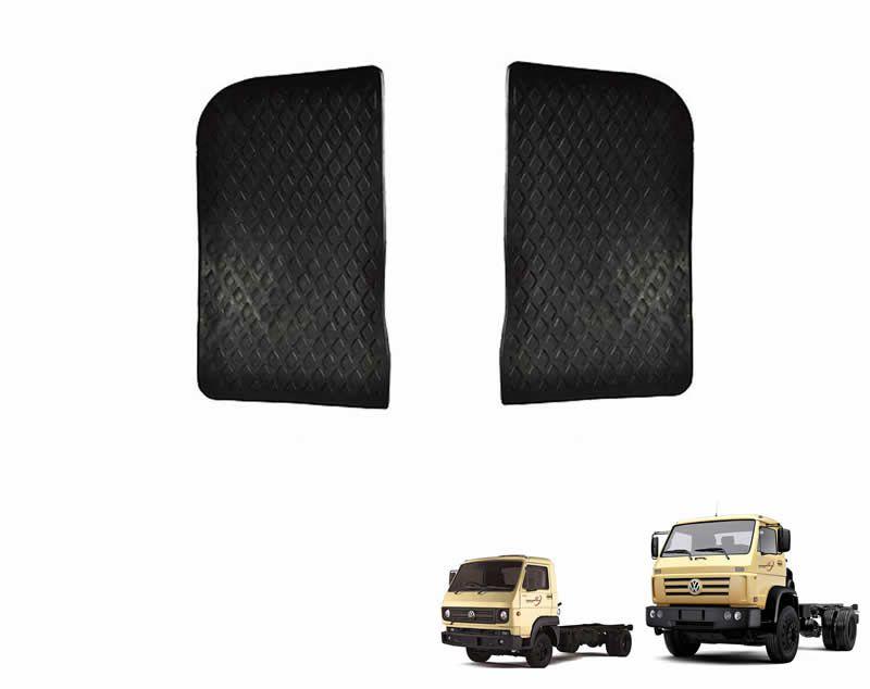 Par Tapete Preto Estribo Interno Caminhão VW 7100 8120 8140 8150 15180 18310 26260E