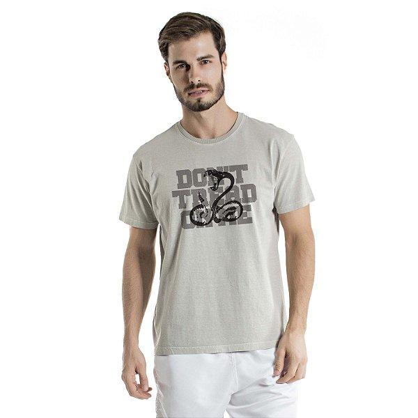Camiseta Estonada On Me Cinza