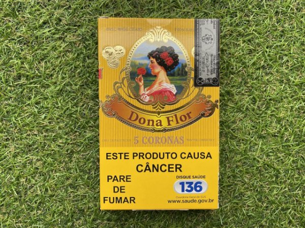 Charuto Dona Flor Capa Connecticut Corona - Petaca com 5