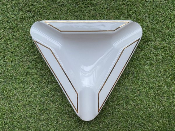 Cinzeiro Para Charutos em Cerâmica - Triangular