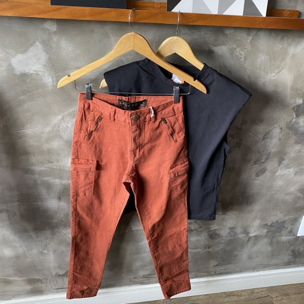 Calça Jeans Bolso Lateral Tijolo