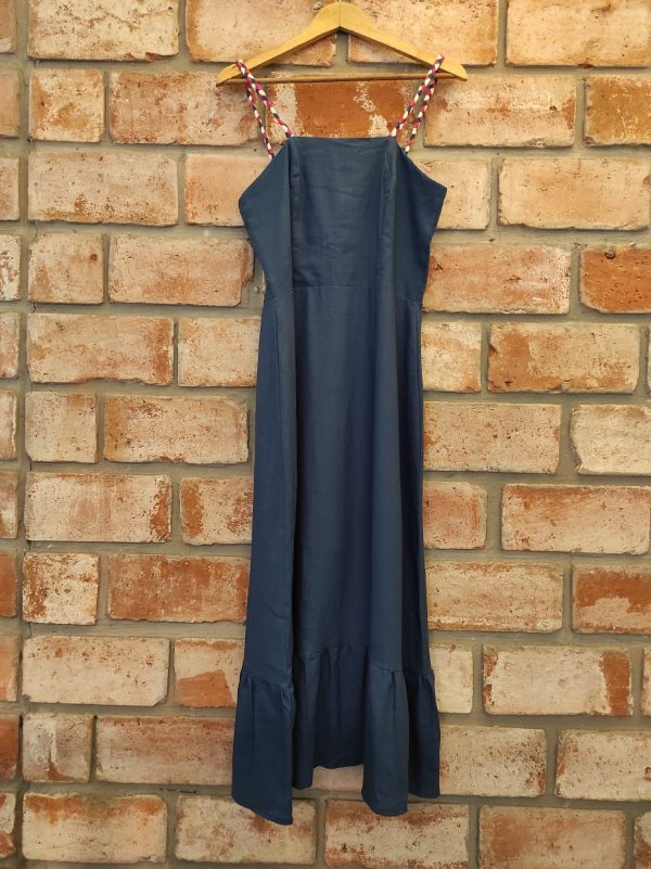 Vestido Midi Linho Azul Jeans Viés Rosa