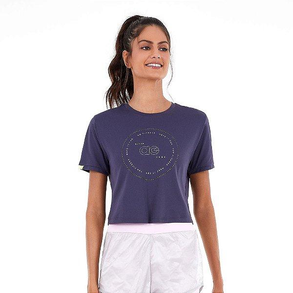 T-Shirt Alto Giro Skin Fit Cropped Detalhes Mangas Azul