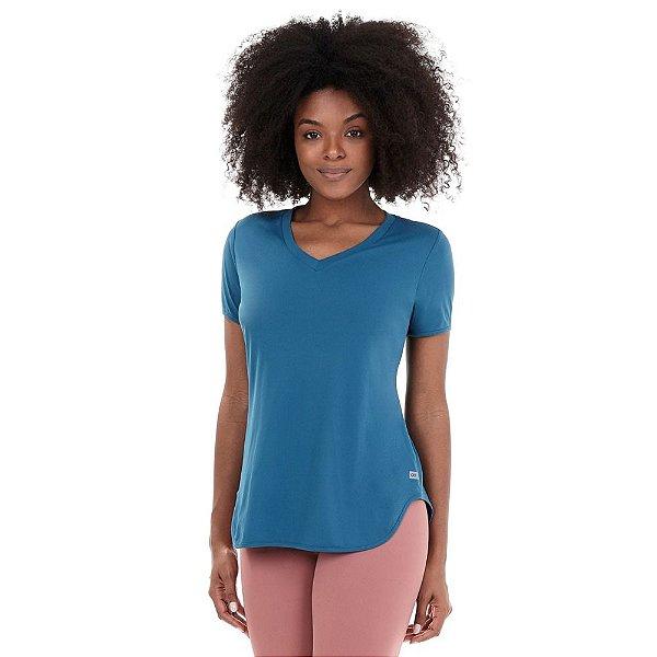 T-Shirt Alto Giro Skin Fit Alongada Gola V Verde Strong 2111701
