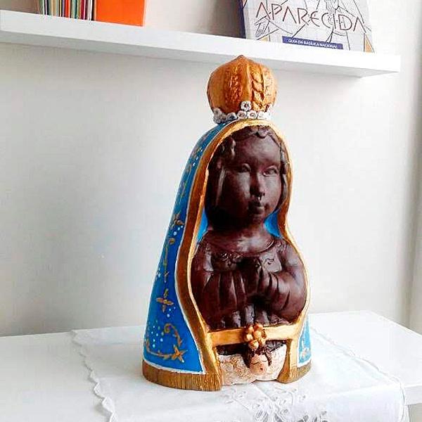 Escultura de Nossa Sra Aparecida grande em cerâmica