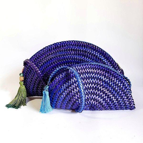 Bolsa azul em palha de piaçava