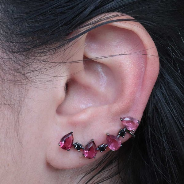 Brinco Ear Cuff zircônia rubi e ônix semijoia tendência