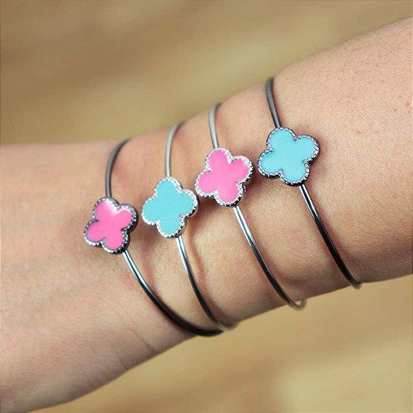 Bracelete feminino de trevo semi joia esmaltada