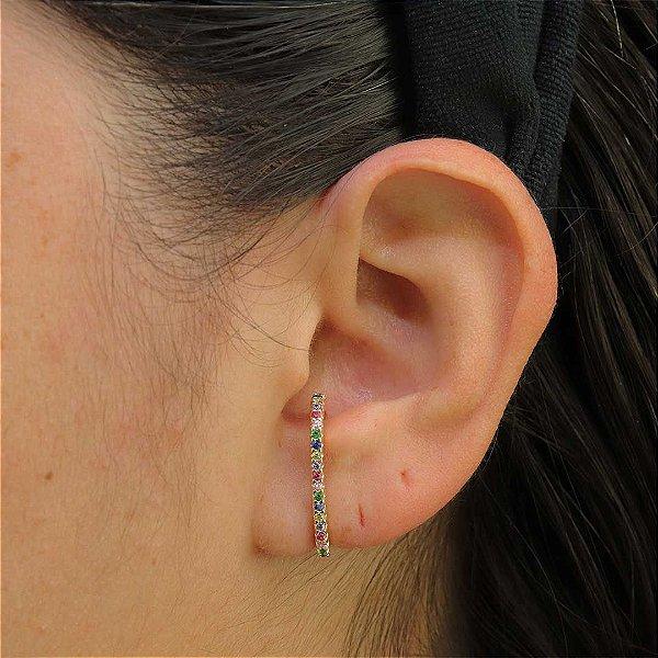Ear Hook cravejado em zircônia colorida da moda