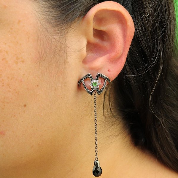 Brinco Ear Hook longo em micro zircônia ônix