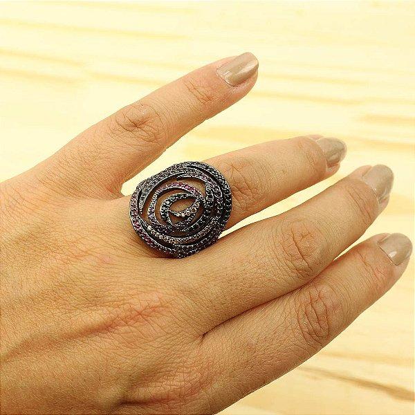 Anel oval cravejado em micro zircônia colorida
