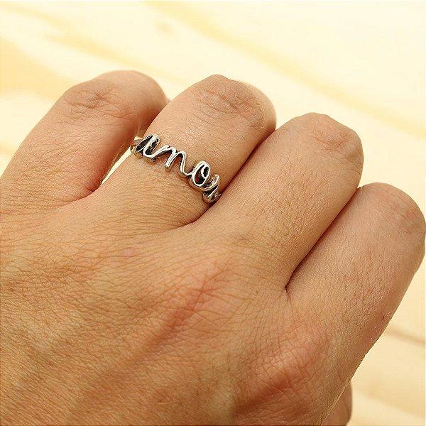 Anel em prata 925 escrito a palavra Amor