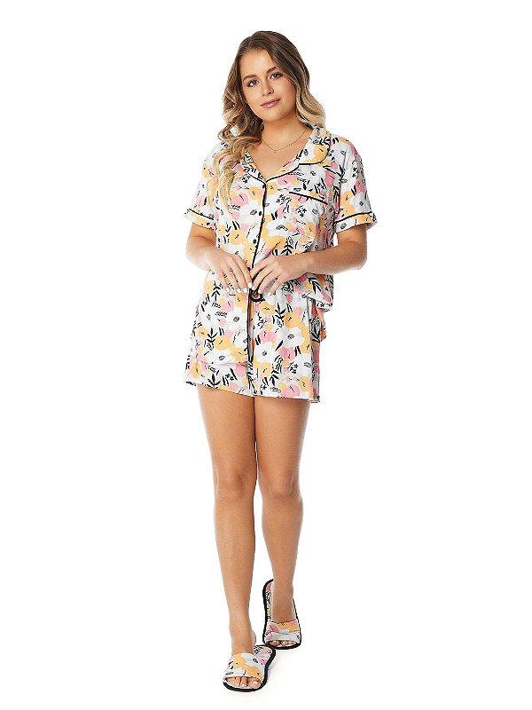 Pijama Camisaria Manga Curta com Abertura Frontal Estampa Floral Moderno