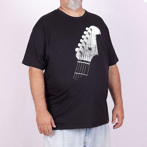Camiseta Plus Size Guitarra Chaves Preta.
