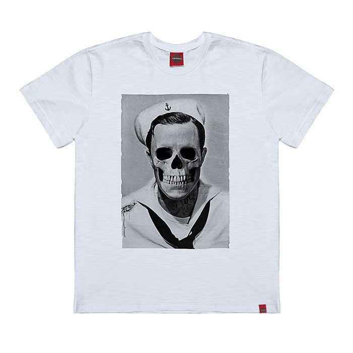 Camiseta Plus Size Gene Marinheiro Caveira Branca.