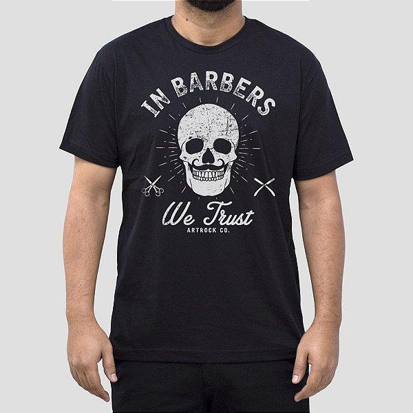 Camiseta Barbearia We Trust Preta.