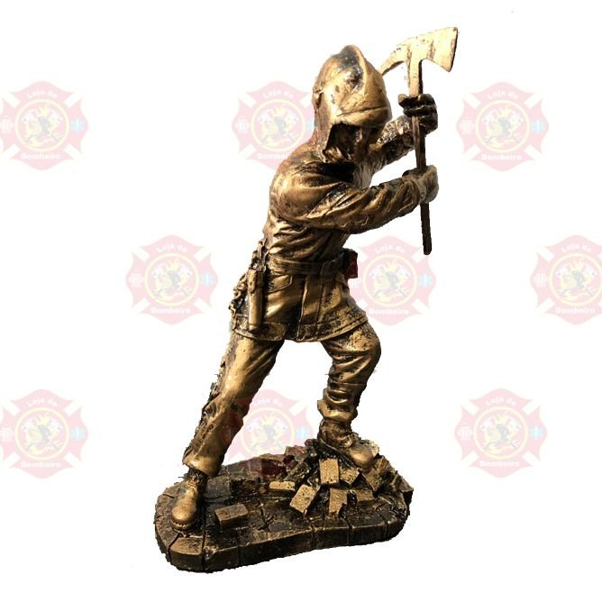 Estatua Bombeiro Machado 2