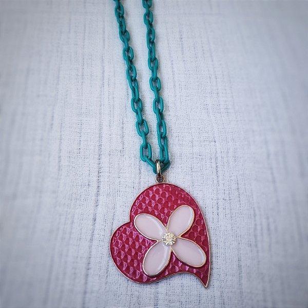 Colar de corrente grossa tiffany e pingente de coração com flor